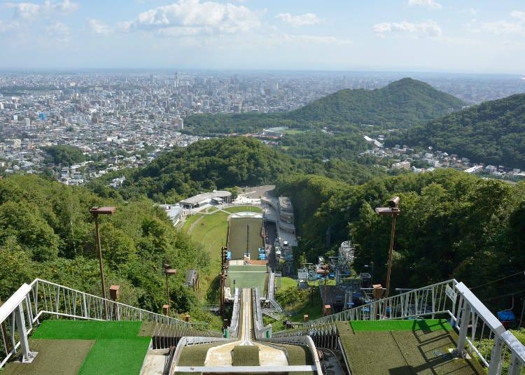 ■18. 오쿠라야마 전망대에서 스키 점퍼의 기분을 느껴 보자