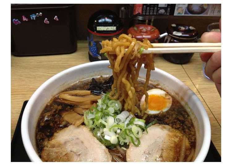 Nocturnal Ramen Shop in Sapporo, So Yummy That People Line Up For it in the Middle of the Night!