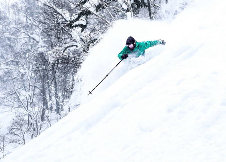 1. Mt. Isola's Heavenly Spirit Course: Powder Snow over a Natural Gully Terrain