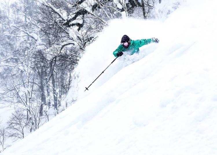 留壽都滑雪場①ISOLA山|HEAVENLY SPIRIT滑雪道:在天然山谷地形中享受粉雪