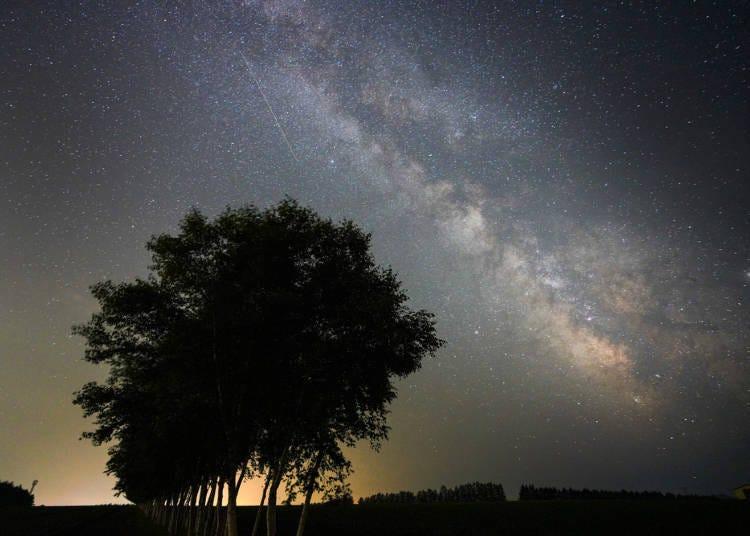 4. 밤하늘에 빛나는 수많은 별. 각지에 천문대도