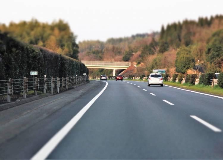 北海道自駕遊注意事項2. 禁止行駛在路肩上!