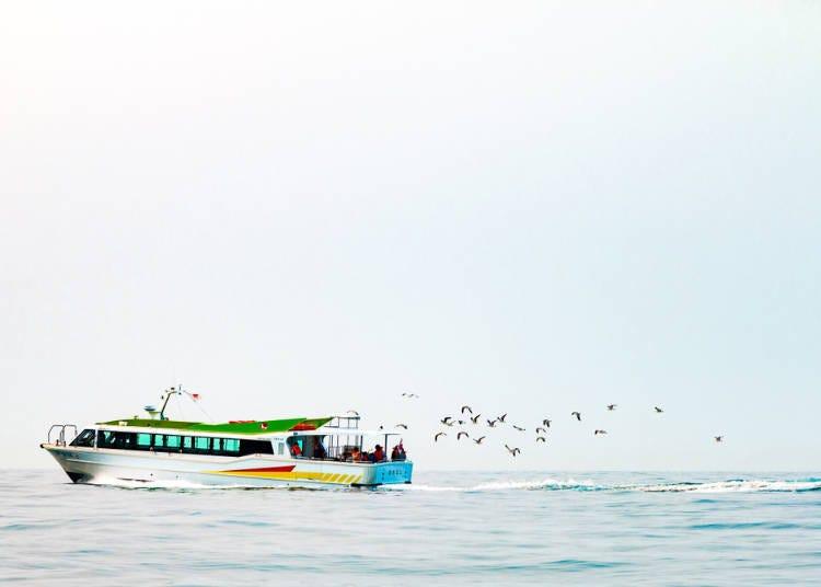 2. '오타루 해상 관광선'에서 해양 크루징을 즐기다