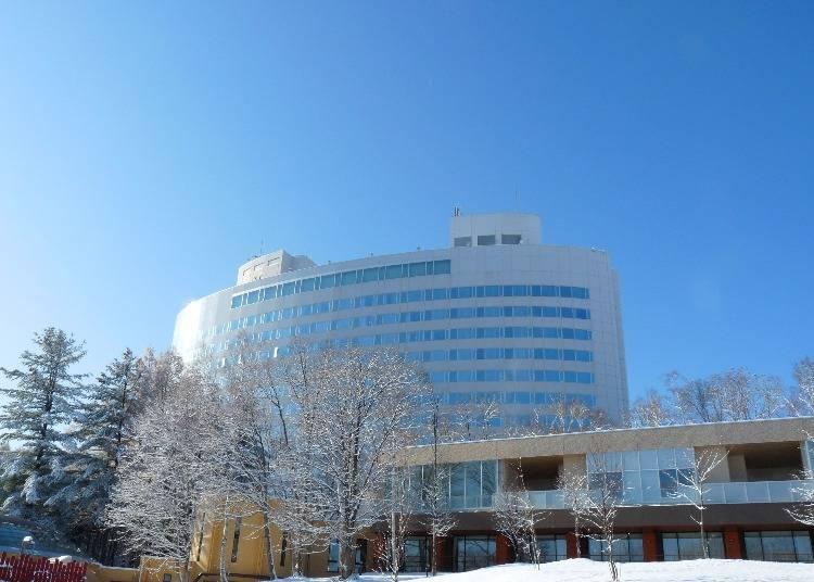 スキー場直結!富良野スキー場にある2つのホテル