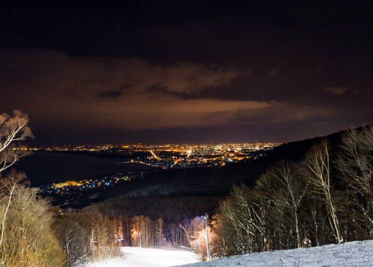 3.太意外!明明是大城市但在札幌近郊的滑雪場卻可以享受夜間滑行