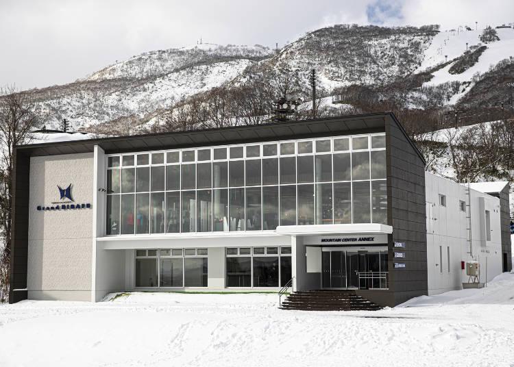 4. 格蘭比羅夫:日本產及札幌當地品牌雪具租得到「Grand・HIRAFU」