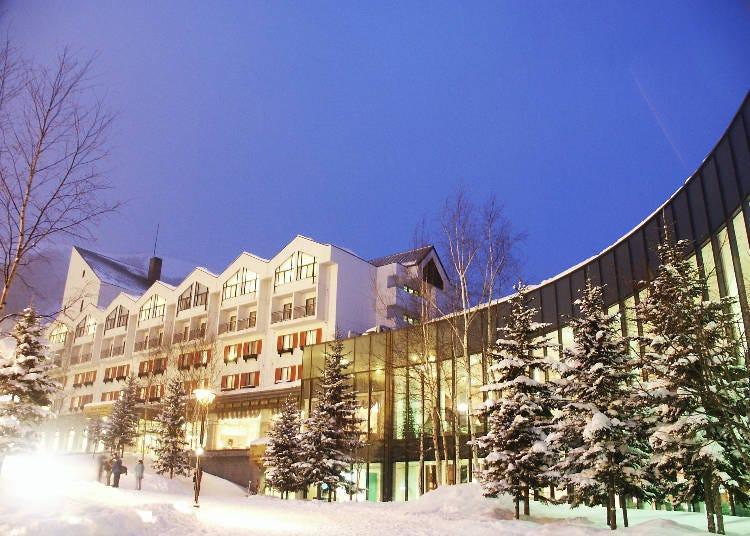 숙박시설 : 스키장 직결 호텔과 올해에 오픈 콘도미니엄도!