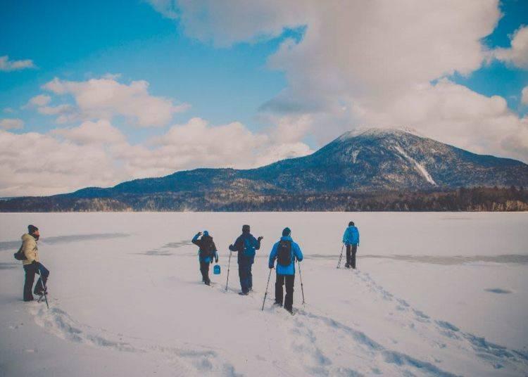 6. Lake Akan trekking & smelt fishing tour