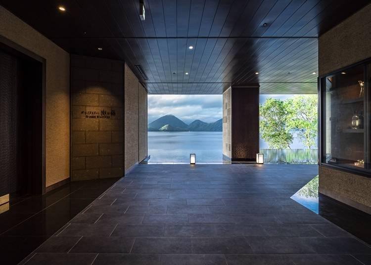 1. The Lake Suite Ko no Sumika - Gorgeous Luxury on Lake Toya
