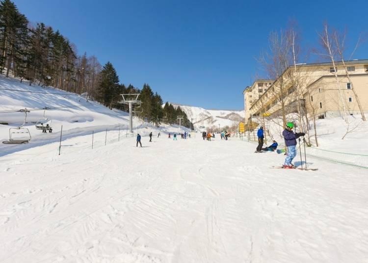 2:春の陽気の中でスキー、スノーボードを楽しもう