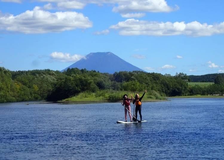 5) Shiribetsu River: Having fun with an uncommon type of water sport - SUP!