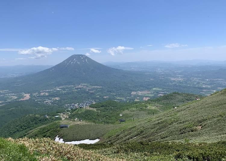 10) 눈 아래에 바라보이는 요테이산에 감동! 등산이 가능한 '안누푸리'