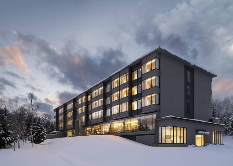 1. 東山ニセコビレッジ・リッツ・カールトン・リザーブ:マリオットの最上級ブランドの日本第一号ホテル