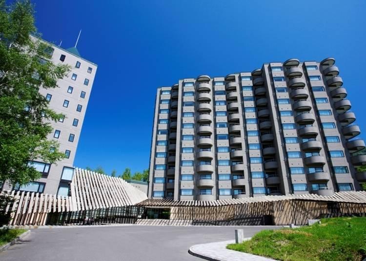 2.新雪谷塔度假酒店:全客房皆為套房規模的公寓式飯店