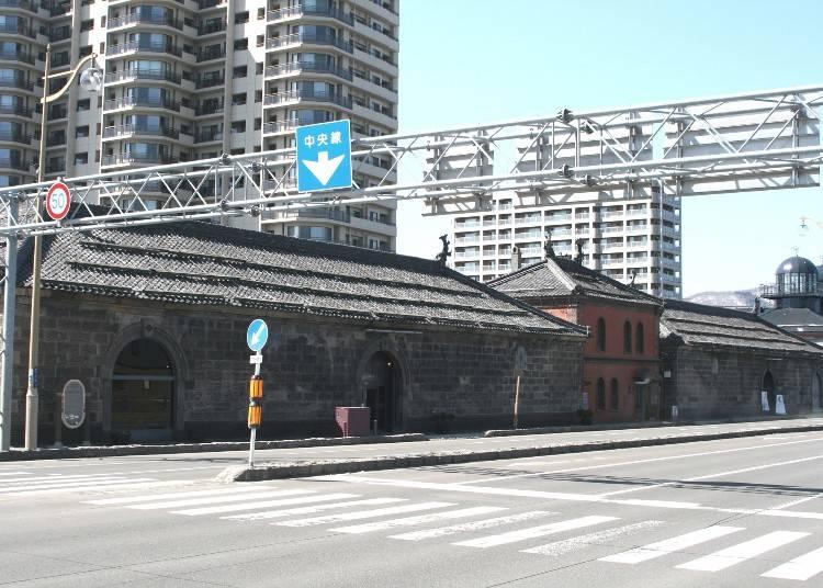 12:00 情報収集のために「小樽市観光物産プラザ(運河プラザ)」に立ち寄る