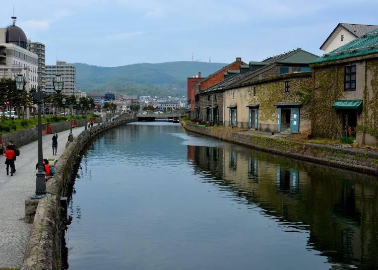 15:30 在小樽最有代表性的觀光景點「小樽運河」遊玩散步
