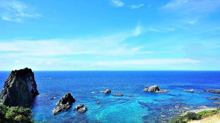 絶対見ておきたい北海道の夏の絶景スポット7選!知床の海に富良野の花畑も