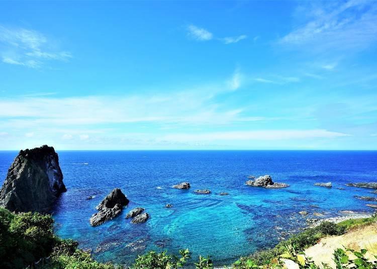 3)海洋的颜色就像水彩晕开一般~积丹BULE的神威岬