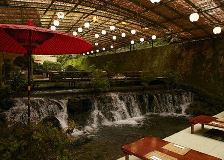 【貴船川床】被潺潺流淌的河川包圍!品嚐京會席與流水麵的夏季時刻