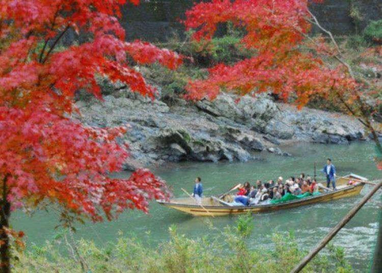 교토 관광의 인기 코스「호즈카와쿠다리」로 스릴있는 래프팅의 진수를 느끼다!