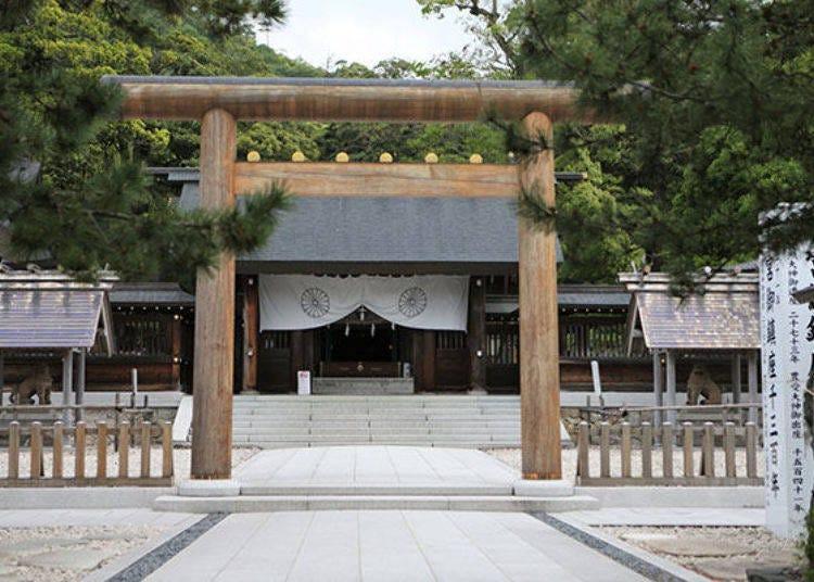 參拜號稱日本少數擁有悠久歷史的「神話之地」
