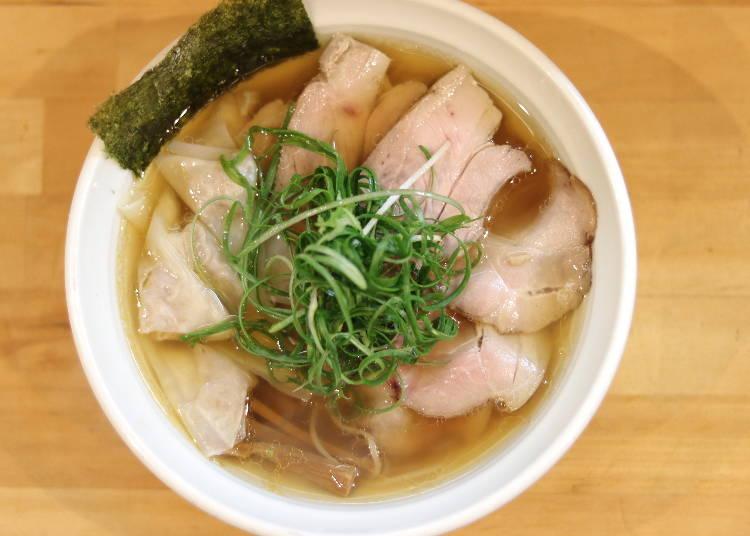 出汁の旨味が溢れる「大阪 麺哲」