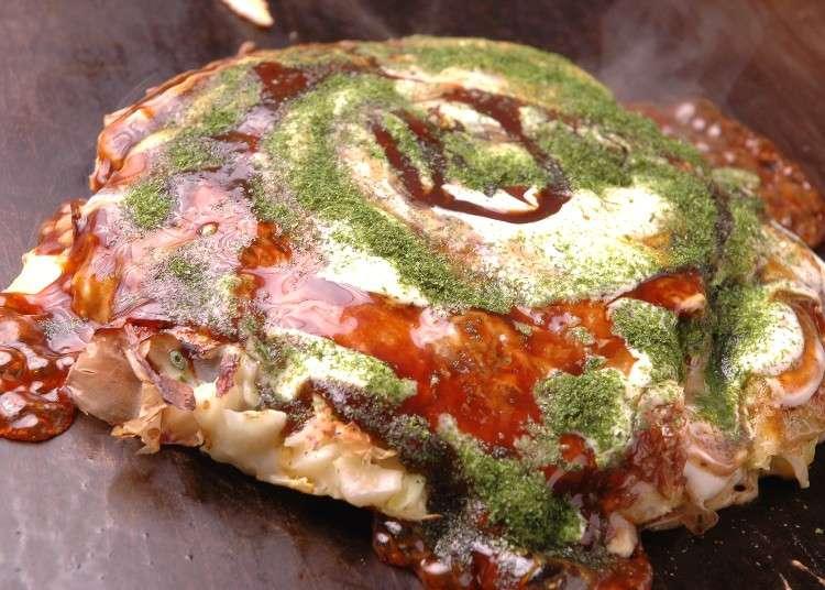 大阪B級グルメの王様・お好み焼き。道頓堀の人気店で、アツアツを食べよう!