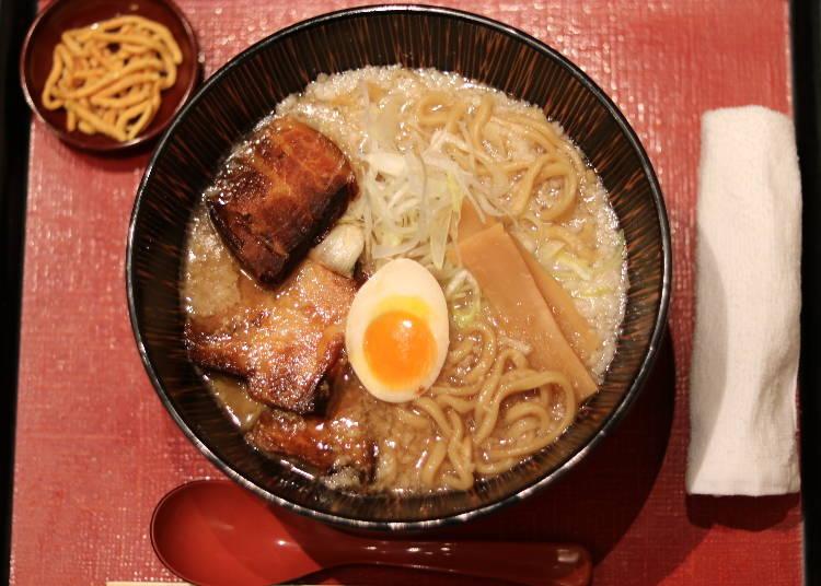 超濃厚とんこつスープがやみつきになる「麺匠 慶次」