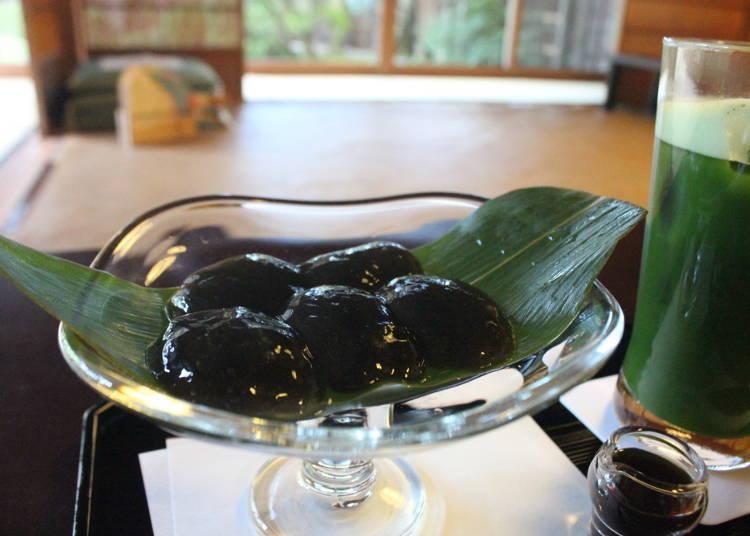 6. 독특한 식감과 풍미를 맛 볼수 있는 와라비모치