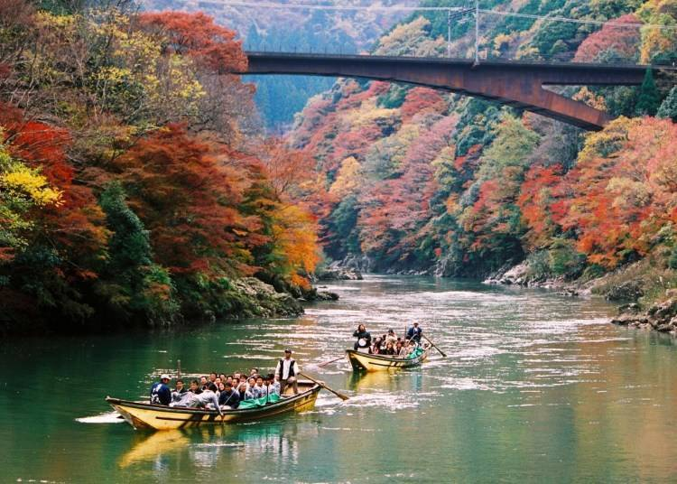 Enjoy a valley of autumn leaves with a boat tour down Katsura-gawa River