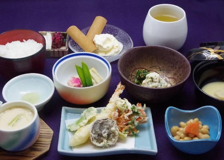 その他、京都らしい食事を楽しめるコースも用意