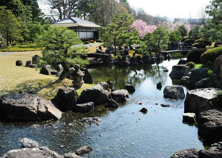 A blend of east and west in gardening: Seiryu-en