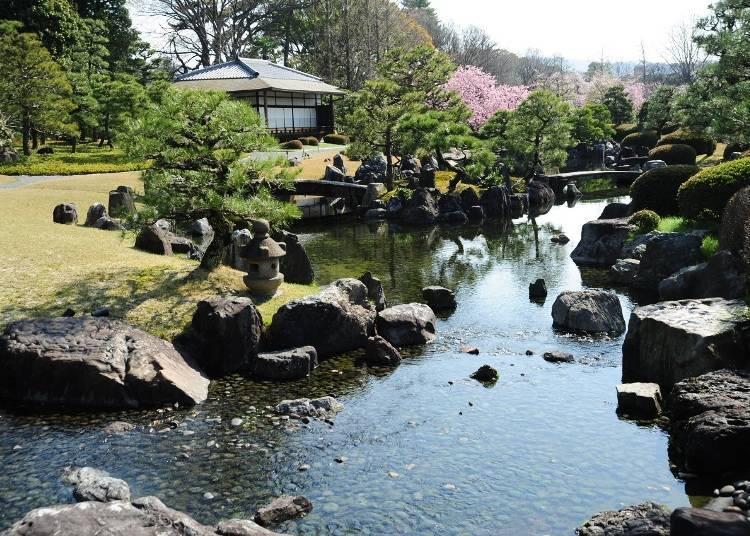 세이류엔에서 일본과 서양이 절충된 정원미를 즐기기