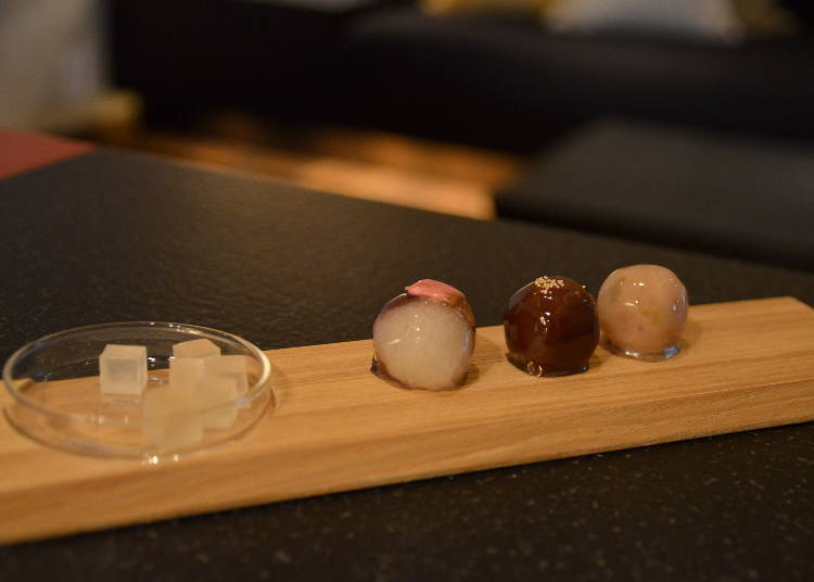 """""""Welcome Wagashi"""" in a Renovated Storehouse"""