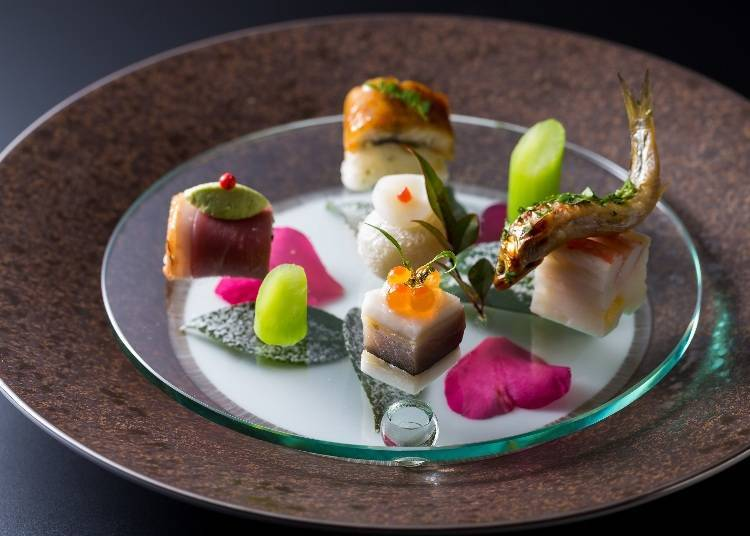 """A Course Meal by a Head Chef Who Received Michelin Stars at """"Umu"""""""