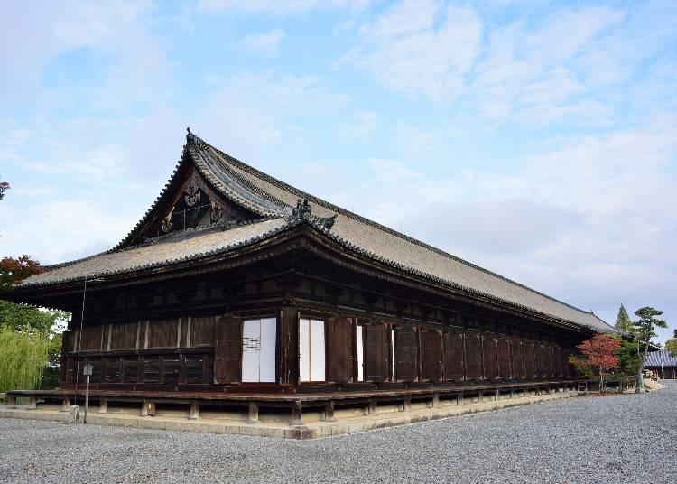 日本一の長さ、120メートルの本堂