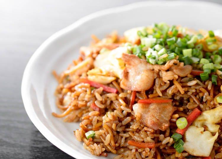 神戶庶民美食的代表「炒麵飯」
