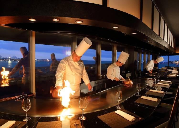 在廚師的精湛廚藝與迷人夜景的搭配下,味覺和視覺都獲得滿足