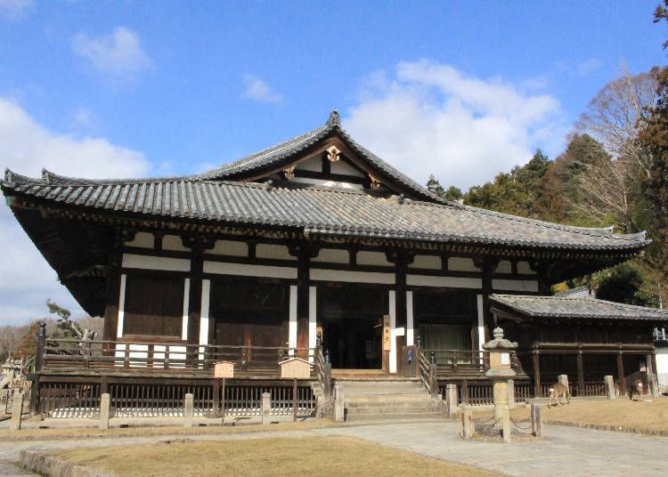 Hokke-do Hall: Filled with a Plethora of Statues