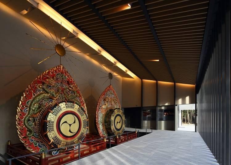"The ""Treasure Hall"" Storing a Wealth of Kasuga Taisha Treasures"