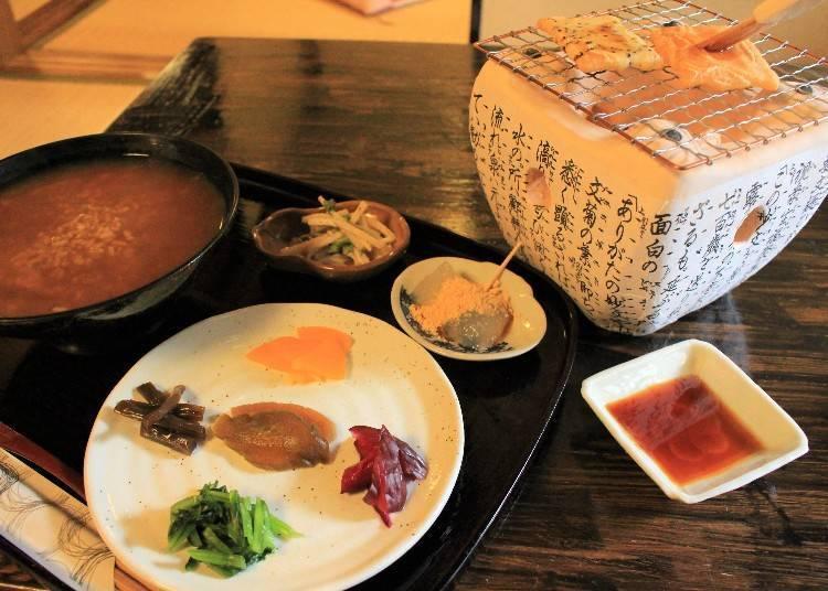 2. Machiya Cafe Kanna: Enjoy Nara-related food and sweets