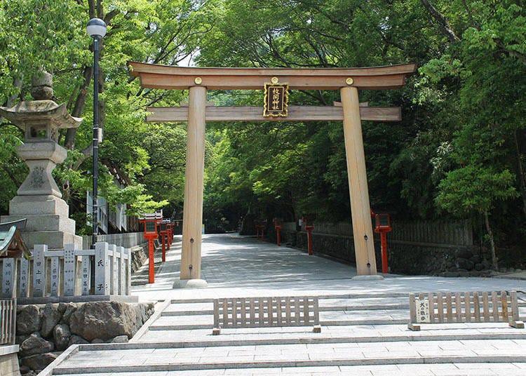 Kawachi Ichinomiya Hiraoka Shrine: Rugby players also come to pray for victory