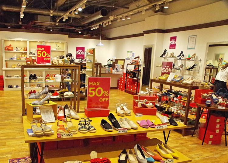 Mitsui Outlet Park Marine PIA Kobe Tip: Discount Coupons Available at the Information Desk for Personal Travelers