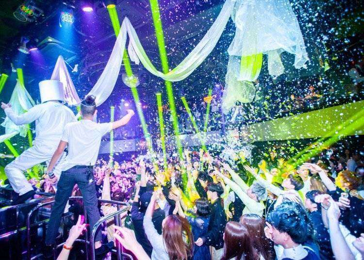 Osaka Night Life: 4 Best Osaka Clubs Getting the Party Started!