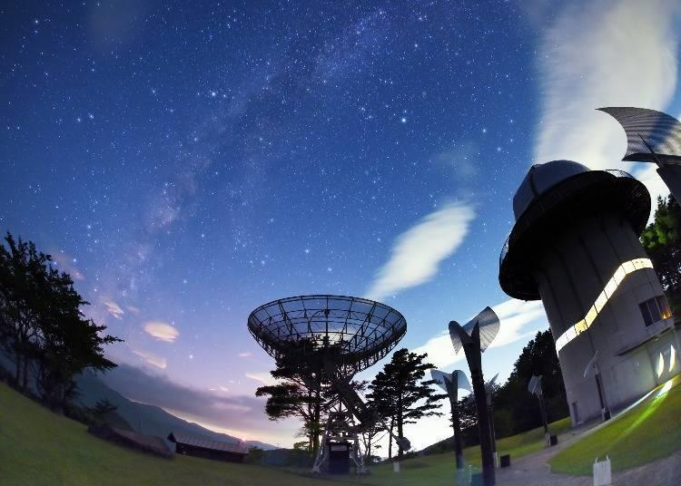 """기모노초의 매력4) """"육안으로 은하수가 펼쳐진 밤하늘을 즐길 수 있어요!"""""""