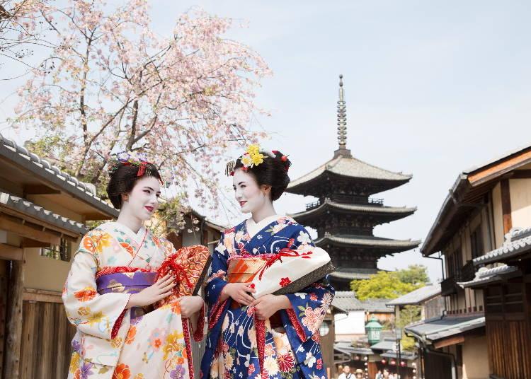 舞妓さんになりきって、京都のまちを散策