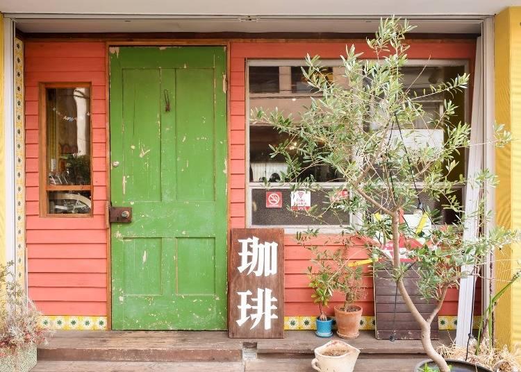 2 カフェランチで元気いっぱい「cafe太陽ノ塔」
