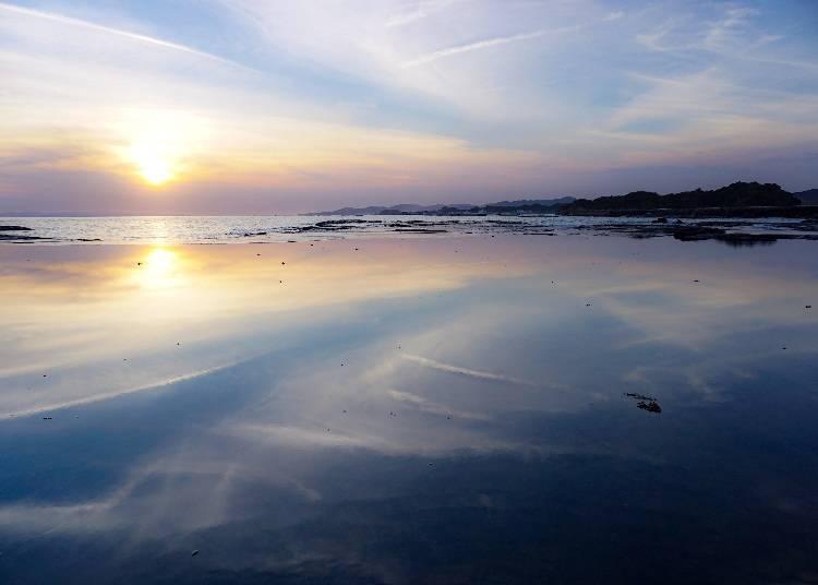 6. 媲美烏尤尼鹽湖,天然寶庫「天神崎」【和歌山】