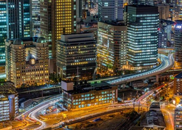 【1日目22:00】梅田のホテルにチェックイン。都会の夜景を鑑賞