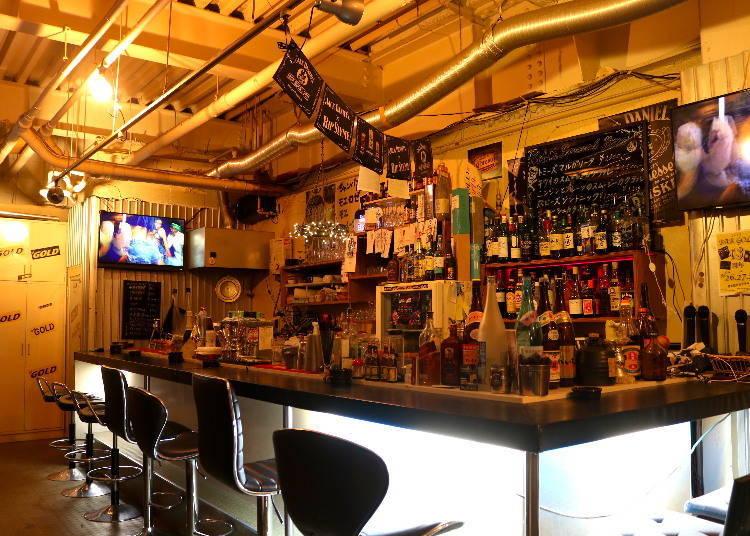 22:00~ 'GOLD Bar'에서 후르츠 칵테일 한 잔